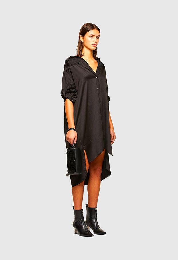D-NIA, Noir - Robes