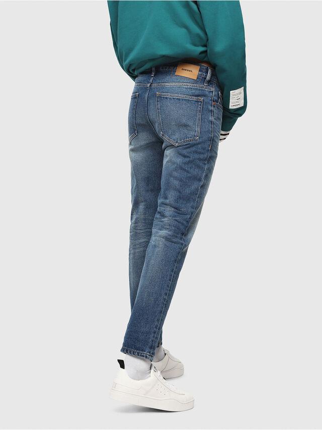 Diesel - D-Aygle 0076Y, Bleu moyen - Jeans - Image 2