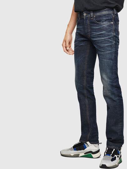 Diesel - Larkee 084ZU, Bleu Foncé - Jeans - Image 5
