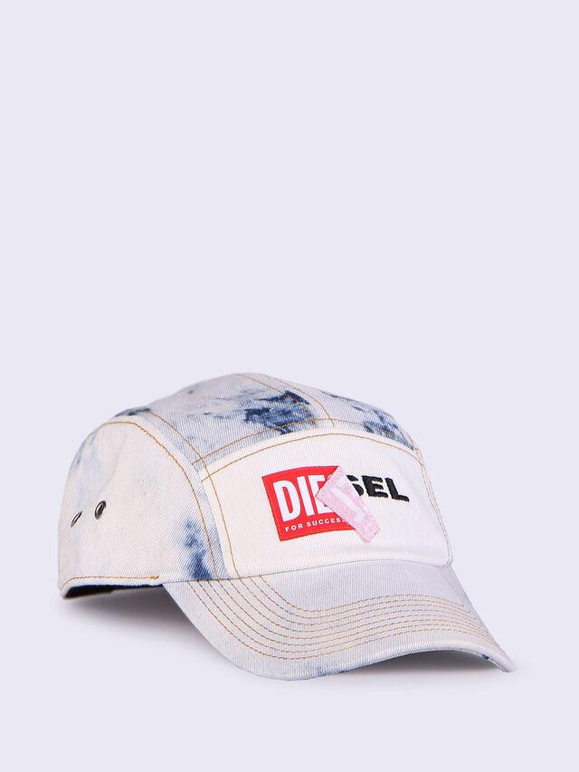 CHANNEL-D, Blanc