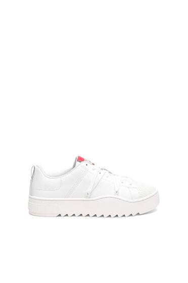 Sneakers en cuir avec lacets de trekking
