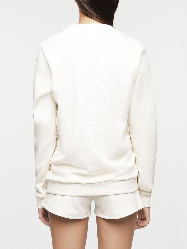 UFLT-WILLA, Blanc
