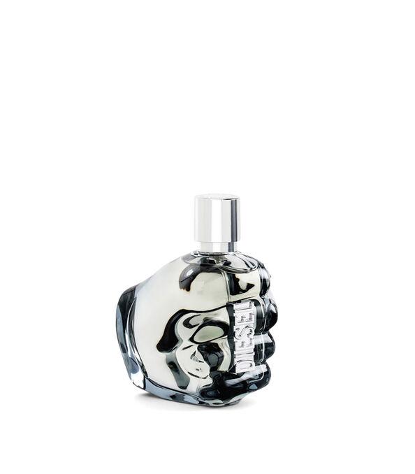 https://fr.diesel.com/dw/image/v2/BBLG_PRD/on/demandware.static/-/Sites-diesel-master-catalog/default/dw0a98a7c3/images/large/PL0124_00PRO_01_O.jpg?sw=594&sh=678