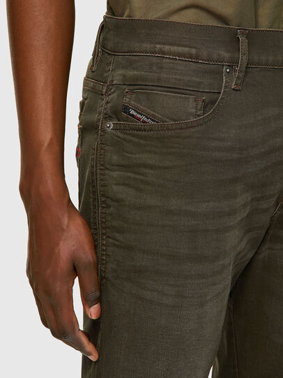 Diesel - D-Fining-Chino 0699P, Vert Militaire - Jeans - Image 3