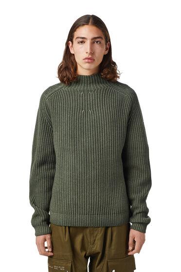 Pull à col montant en laine mélangée