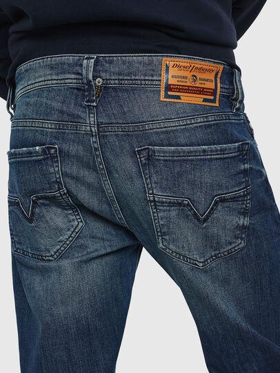 Diesel - Larkee CN025, Bleu moyen - Jeans - Image 4