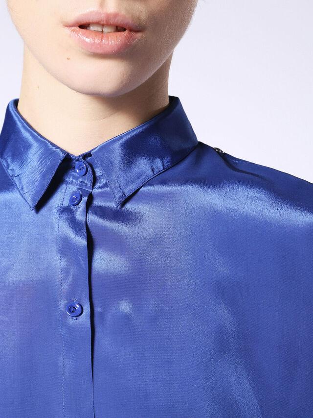 C-LURY, Bleu brillant