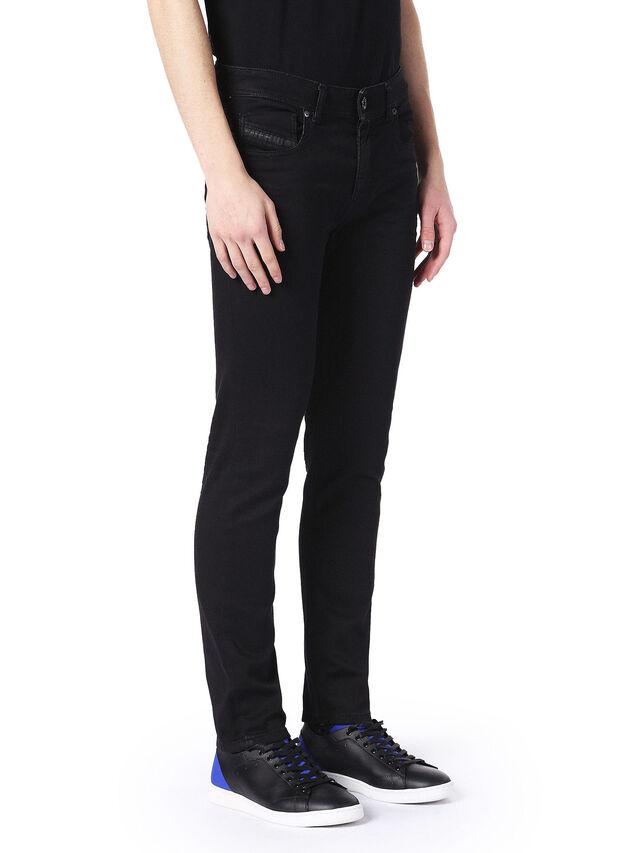 TYPE-2815, Jean noir