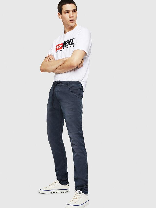 Diesel - Krooley Long JoggJeans 0670M, Bleu Foncé - Jeans - Image 4