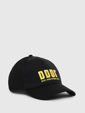 C-DDDR, Noir - Chapeaux