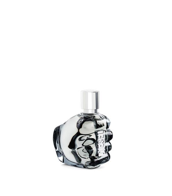 https://fr.diesel.com/dw/image/v2/BBLG_PRD/on/demandware.static/-/Sites-diesel-master-catalog/default/dw2e2f7f23/images/large/PL0123_00PRO_01_O.jpg?sw=594&sh=678
