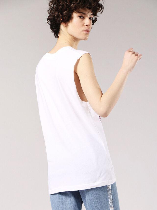 T-WESSY-O, Blanc