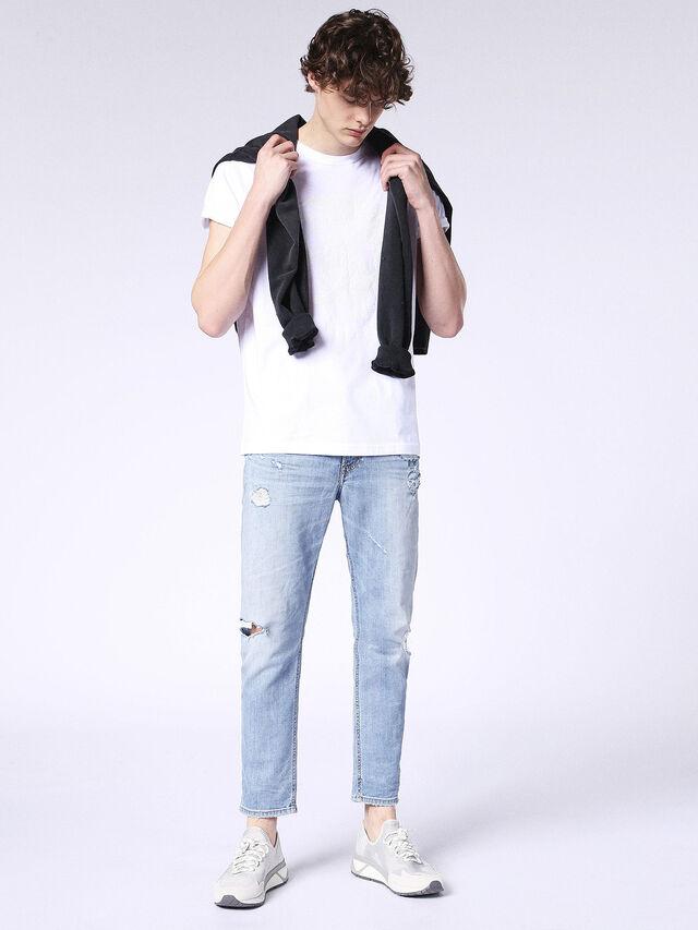 T-JOE-SQ, Blanc