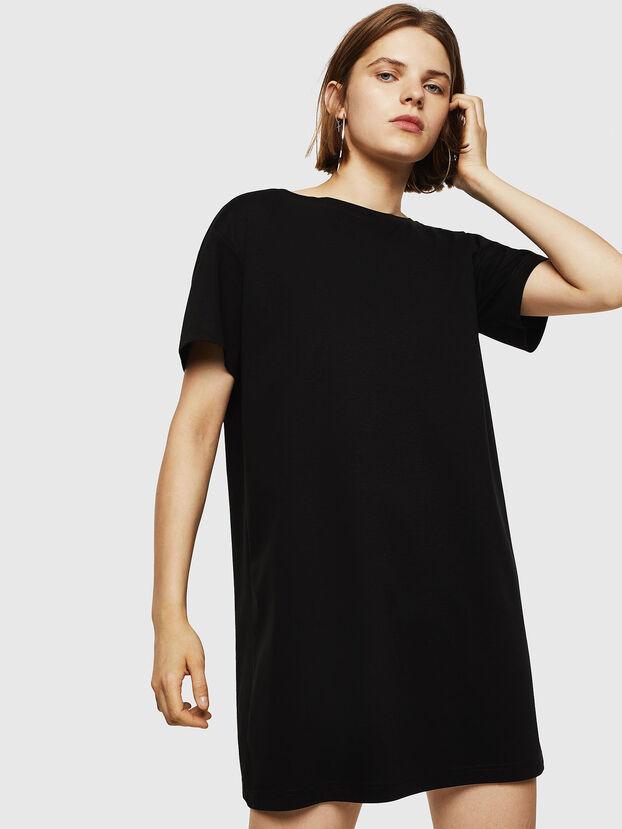 D-YLY, Noir - Robes