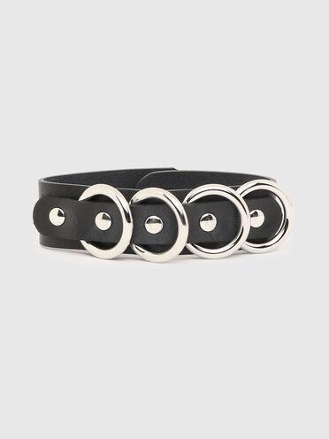 Bracelet en cuir avec anneaux en métal