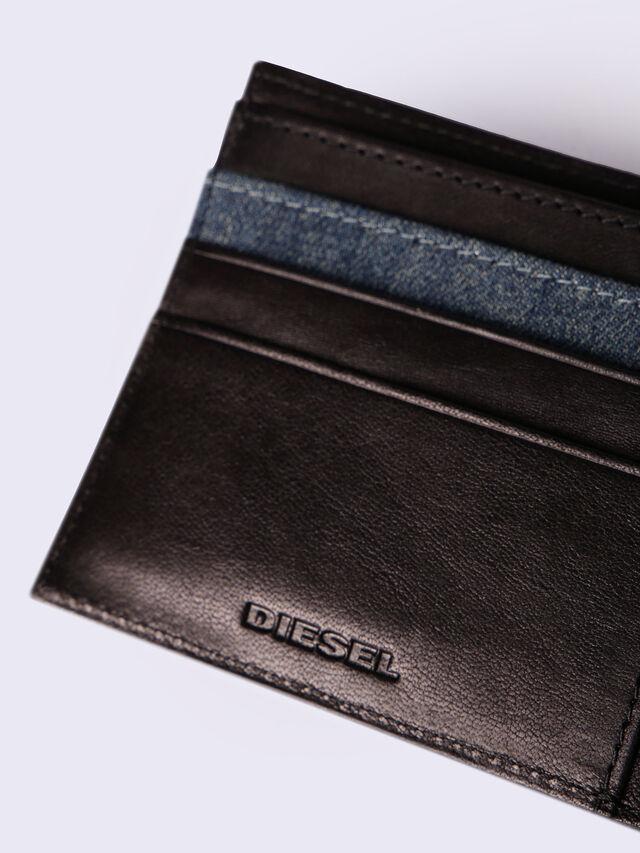HIRESH S, Noir-bleu