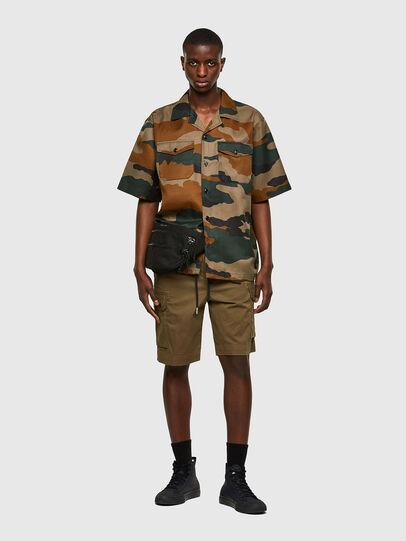 Diesel - P-APE, Vert Militaire - Shorts - Image 5