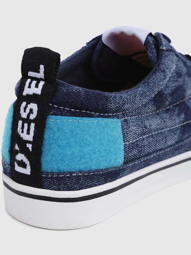 Diesel - D-VELOWS LOW PATCH, Jean Bleu - Baskets - Image 6