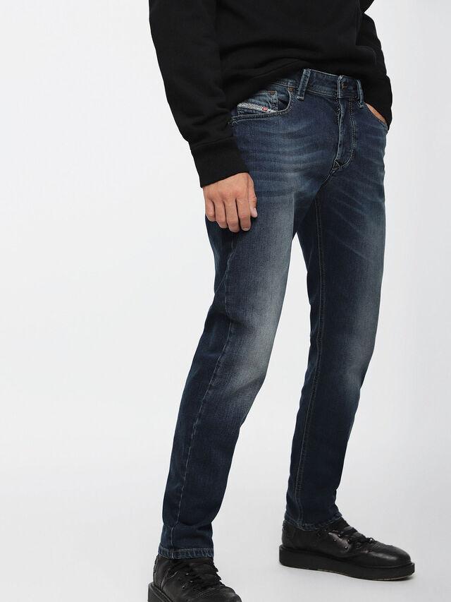 Diesel - Larkee-Beex 084BU, Bleu Foncé - Jeans - Image 1