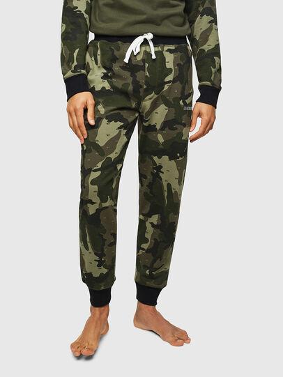 Diesel - UMLB-PETER, Vert Camouflage - Pantalons - Image 1