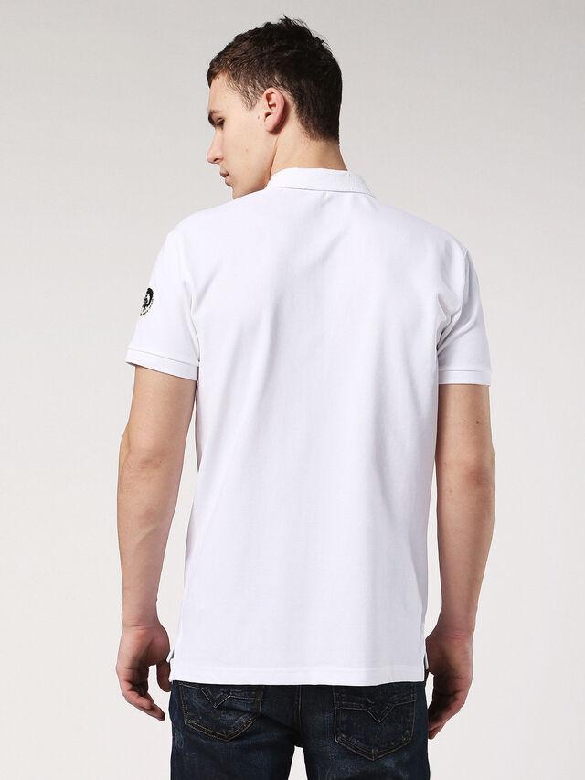 T-MILES, Blanc