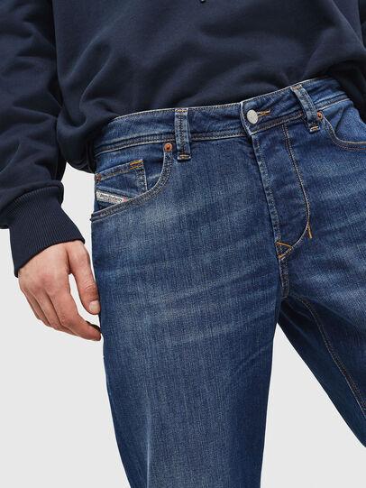 Diesel - Larkee-Beex 082AZ, Bleu Foncé - Jeans - Image 3