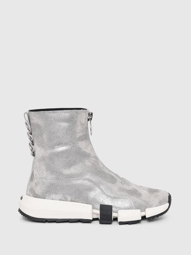 Sneakers hybrides en daim laminé
