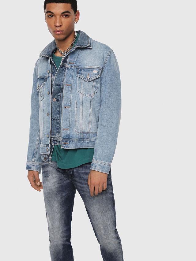 Diesel - D-Bazer 084DD, Bleu moyen - Jeans - Image 3