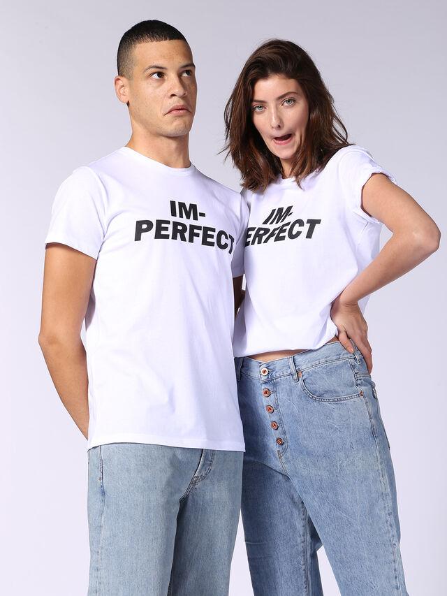ADV-IM-PERFECT, Blanc