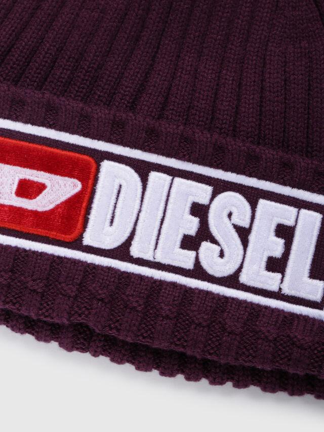 Diesel - K-CODER-B, Bordeaux - Bérets, chapeaux et gants - Image 3