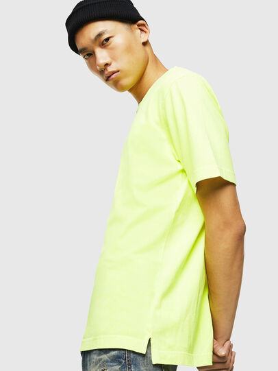 Diesel - T-JUST-SLITS-FLUO, Jaune Fluo - T-Shirts - Image 5
