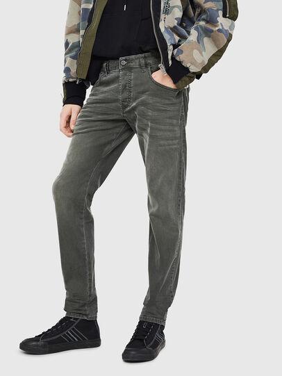 Diesel - D-Bazer 0699P, Vert Foncé - Jeans - Image 1