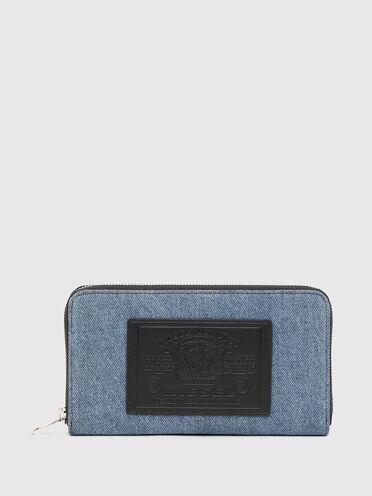Portefeuille zippé en denim bicolore