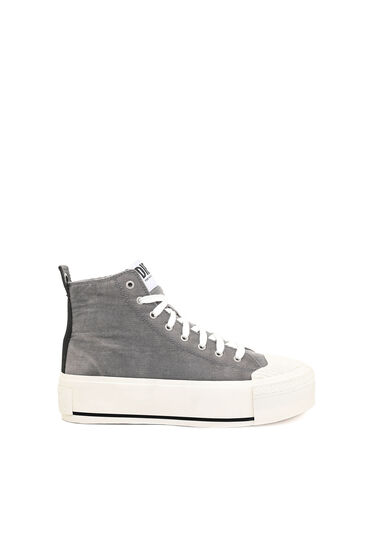 Sneakers montantes en velours côtelé délavé