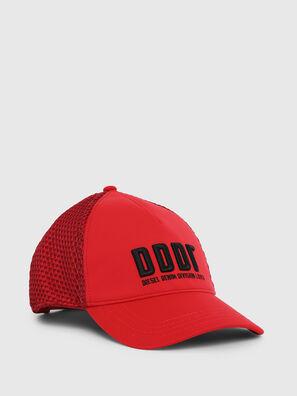 C-DDDR, Rouge Flamme - Chapeaux