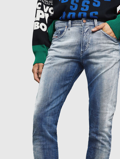 Diesel - Thommer JoggJeans 0870N, Bleu moyen - Jeans - Image 3