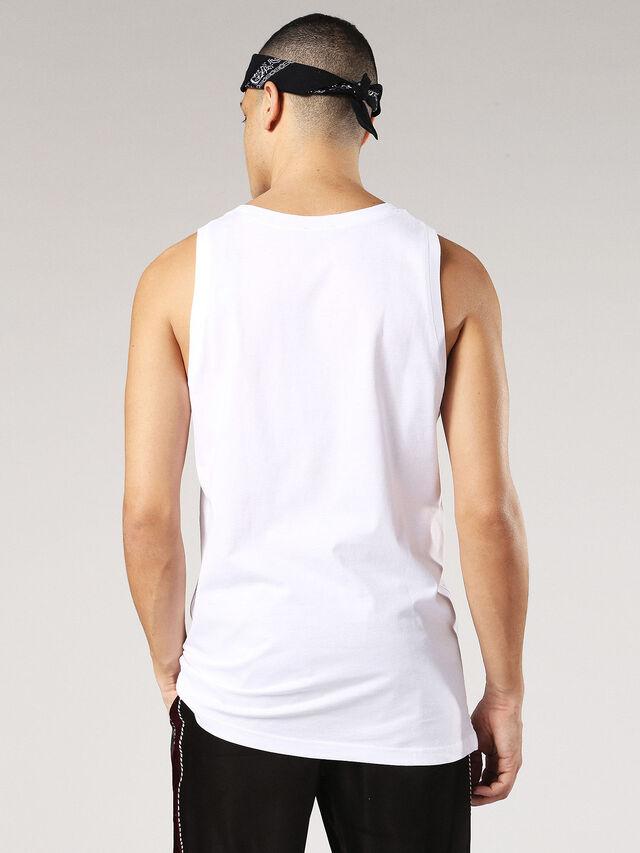 T-NOAH-C, Blanc