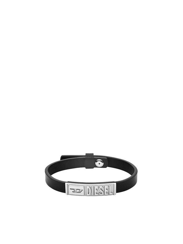 https://fr.diesel.com/dw/image/v2/BBLG_PRD/on/demandware.static/-/Sites-diesel-master-catalog/default/dw895c5118/images/large/DX1226_00DJW_01_O.jpg?sw=594&sh=792