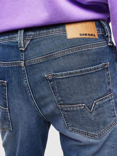Diesel - Larkee-Beex 0096E, Bleu moyen - Jeans - Image 5