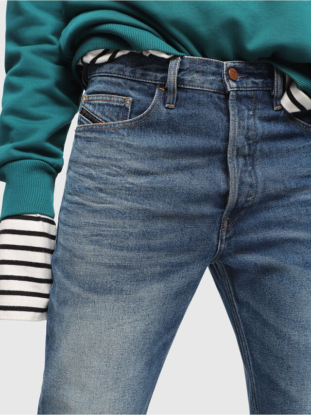 Diesel - D-Aygle 0076Y, Bleu moyen - Jeans - Image 3