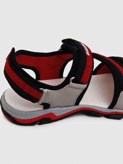 Diesel - SA 07 STRIPE YO, Gris/Rouge - Footwear - Image 5