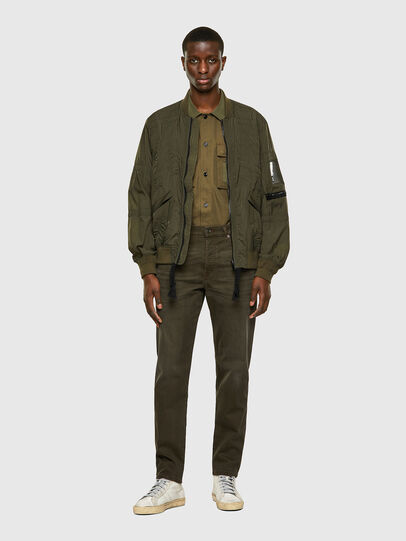 Diesel - D-Fining-Chino 0699P, Vert Militaire - Jeans - Image 6
