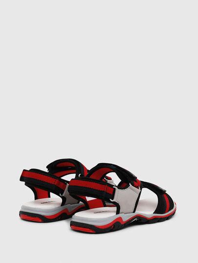 Diesel - SA 07 STRIPE YO, Gris/Rouge - Footwear - Image 3