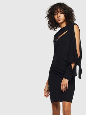 D-TITY, Noir - Robes