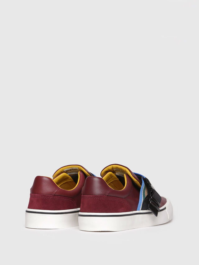 Diesel - S-FLIP LOW BUCKLE W, Rouge Vin - Baskets - Image 3