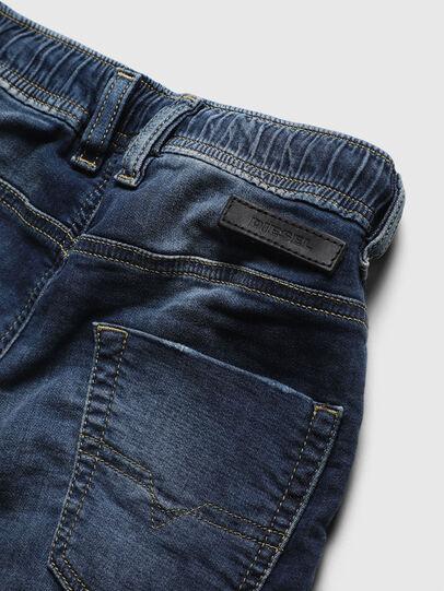 Diesel - KROOLEY-JOGGJEANS-J SH, Bleu moyen - Shorts - Image 4