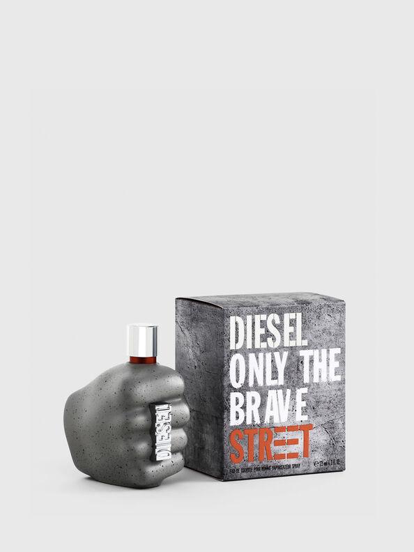 https://fr.diesel.com/dw/image/v2/BBLG_PRD/on/demandware.static/-/Sites-diesel-master-catalog/default/dw9c0c42ed/images/large/PL0458_00PRO_01_O.jpg?sw=594&sh=792
