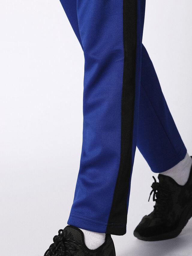 P-RUSSY, Bleu Brillant