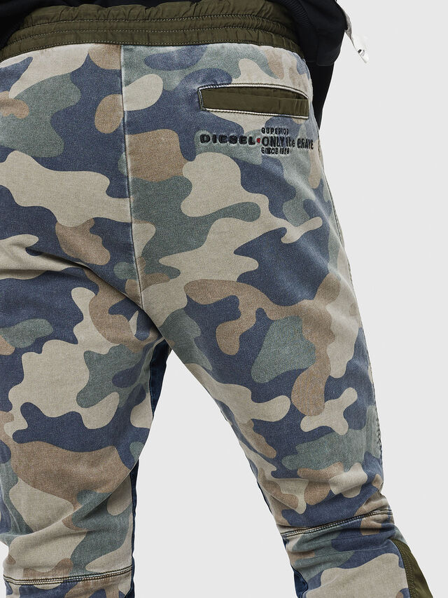 Diesel - D-Eeley JoggJeans 0GAUU, Vert Camouflage - Jeans - Image 4