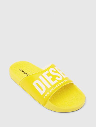 Diesel - FF 01 SLIPPER CH, Jaune - Footwear - Image 4